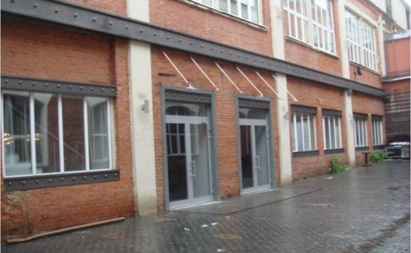 Spazio espositivo bilivello di 1450 mq in affitto in zona Kievskaya, Sportivnaya