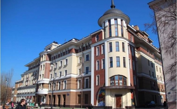 Spazio fronte strada in elegante complesso di lusso zona Tretyakovskaya