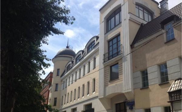 Palazzetto di 2900 mq in affitto in blocco zona Novokuznetskaya