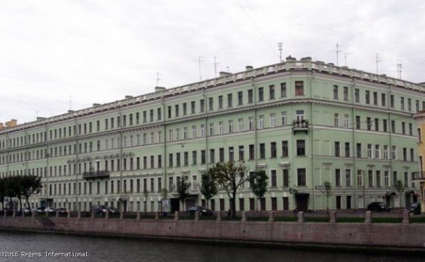 Locale di 78 mq in vendita sul lungofiume Fontanka