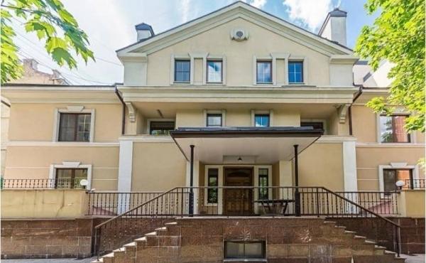 Villa bifamiliare di lusso di 1040 mq in zona Paveletskaya
