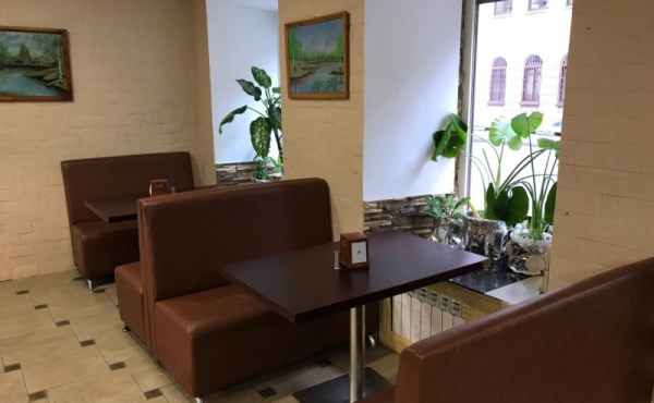 Locale per ristorazione di 98 mq in via Moiseenko