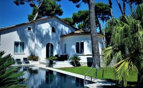 Beautiful villa in quiet location close to the beach in Cap d'Antibes