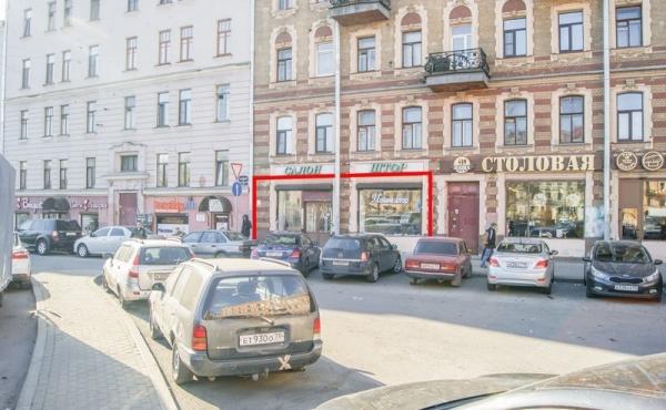 Locale fronte strada in affitto su via Sadovaya a San Pietroburgo