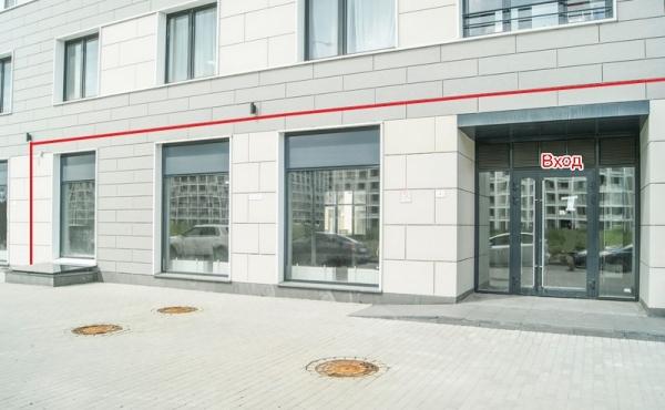 Spazio in affitto per negozio/show-room/ufficio zona stazione Moskovsky