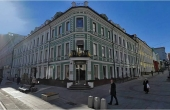 Spazio fronte strada in affitto nel distretto del lusso in centro a Mosca