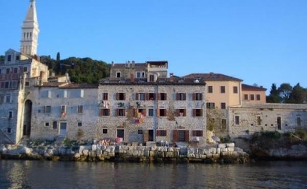 Appartamenti fronte mare in vendita a Rovigno