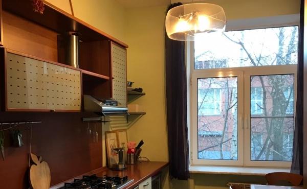 Trilocale in ottime condizioni in affitto/vendita in zona Baumanskaya