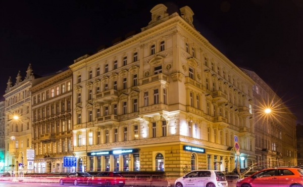 Commercial premises with tenants offered for sale in Prague 2