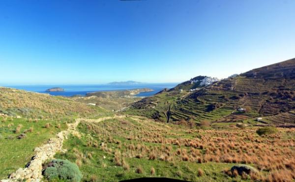 Terreno edificabile vista mare sull'isola di Serifos