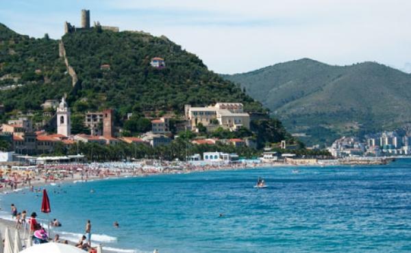 Оборудованный пляж на продажу (ППА) на западном побережье Лигурии