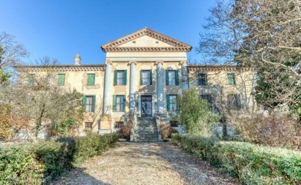 Maestosa villa palladiana del Cinquecento ad Abano Terme