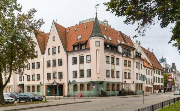 Офисное здание в аренду или на продажу в центре Риги