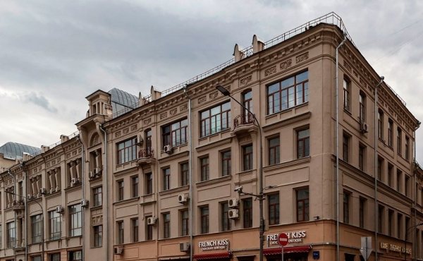 Spazio fronte strada di 77 mq su Bol'shaya Lubyanka