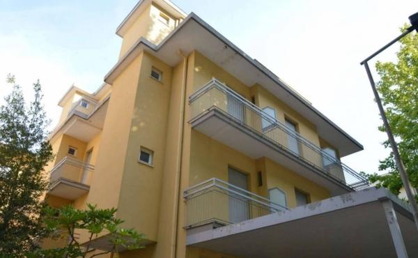 Hotel in vendita a Rimini a pochi metri dalla spiaggia
