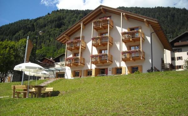 Отель на продажу в Доломитах рядом с Кортиной д'Ампеццо