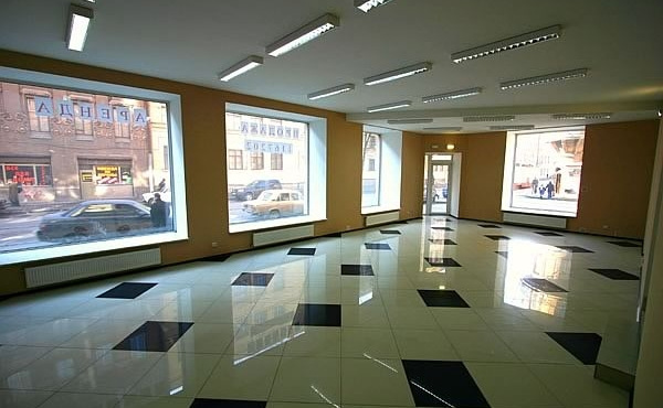 Street retail premises (200 m2) for sale in Petrogradsky district