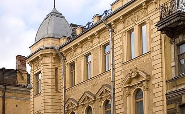 Historic building for sale on ulitsa Nekrasova in St.Petersburg