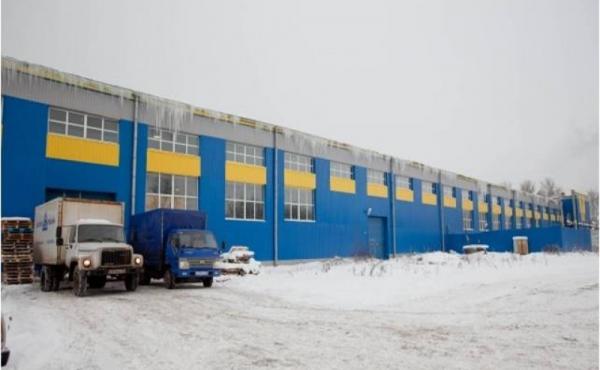 Capannone riscaldato di 2079 mq, zona Lomonosovskaya