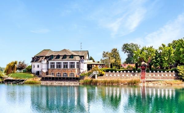 Отель на продажу на берегу озера в юго-западной Венгрии