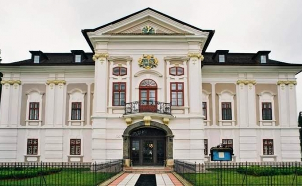 Rococo-classical manor house for sale in northern Slovakia